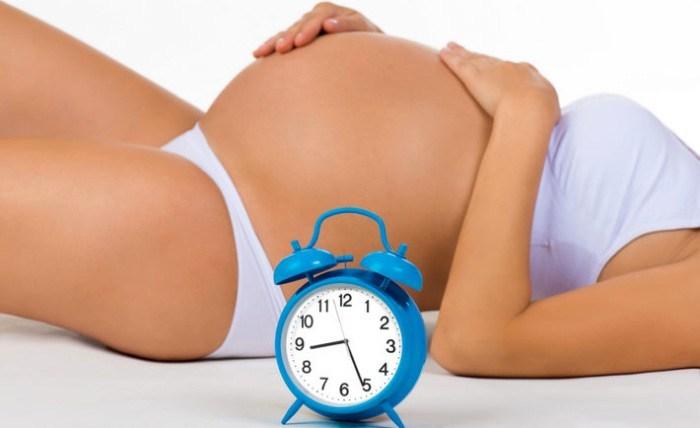 Кому не бажано відкладати вагітність?
